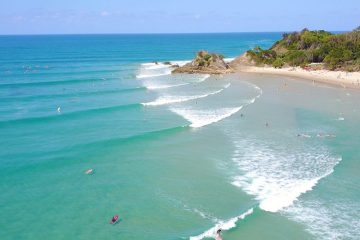 surf and stay byron bay learn to surf camp east coast Australia backpacker