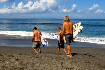 bali red island surf camp lessons beginner indonesia mojo surf