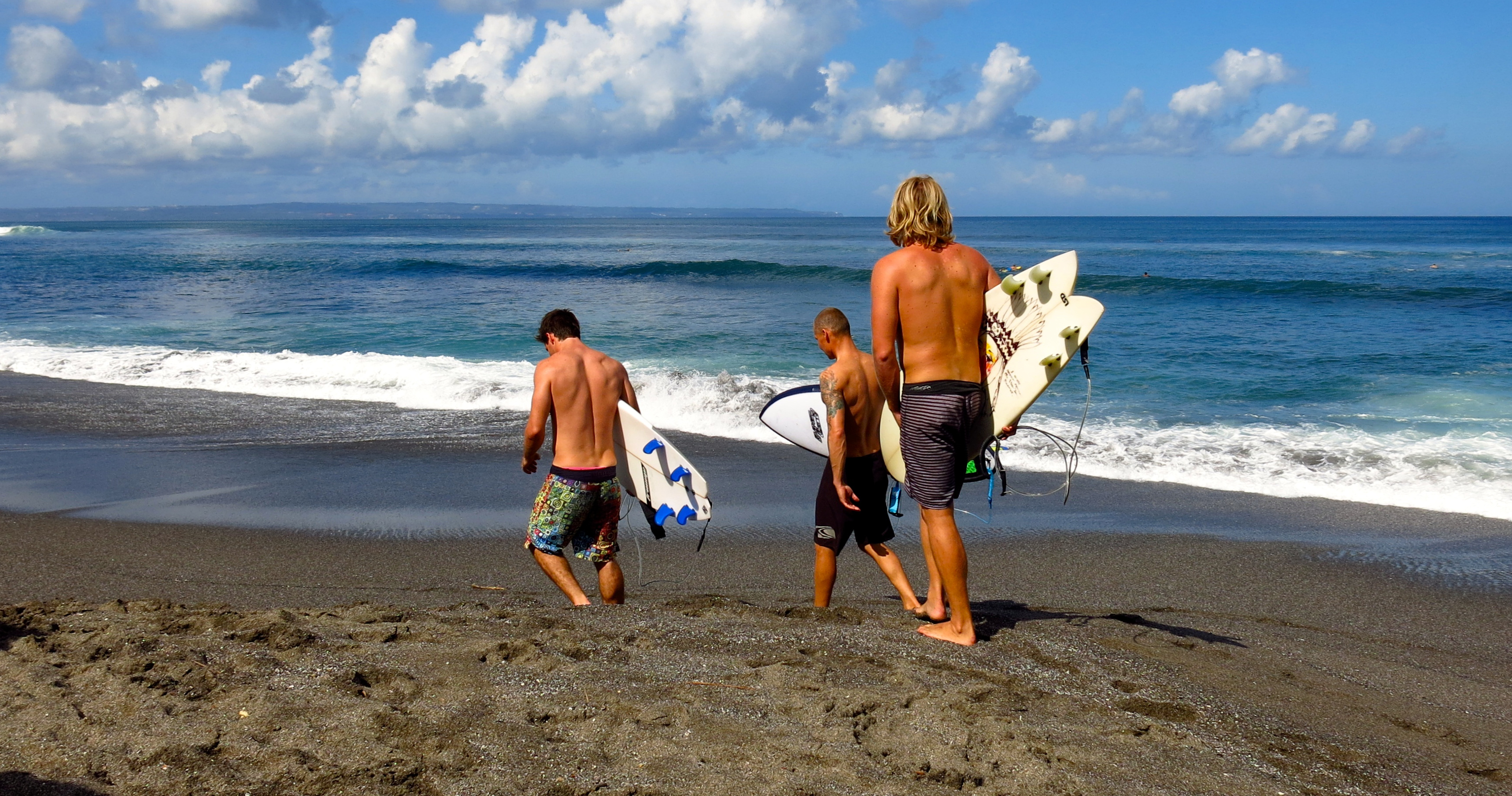 6 Day Bali & Red Island Surf Camp With Mojo Surf