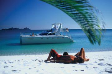 powerplay whitsundays sailing adventure catamaran airlie beach australia