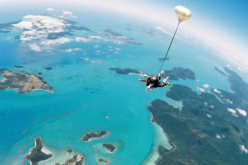 tandem skydive airlie beach whitsundays australia 14000 feet