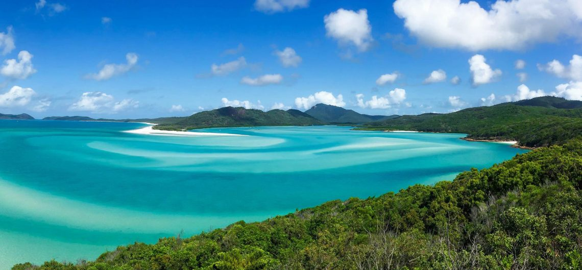 what are the best whitsunday island tours airlie beach australia backpacker party boat