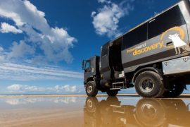 fraser island day tour noosa discovery group warrior australia backpacker