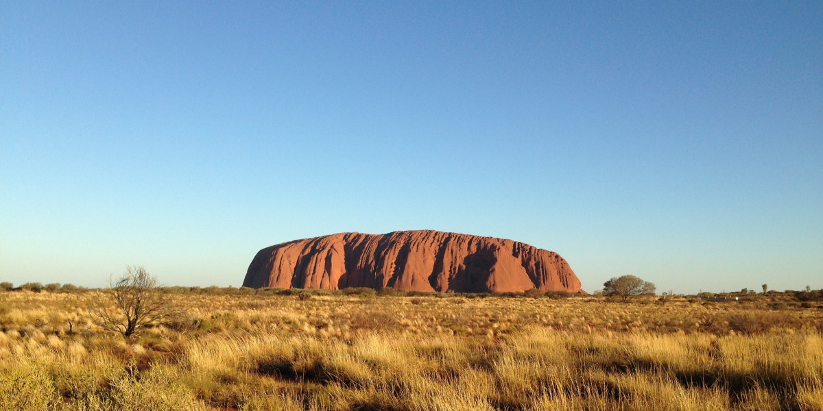 Rock To Rock Uluru & Red Centre Tour With Mulgas Adventures