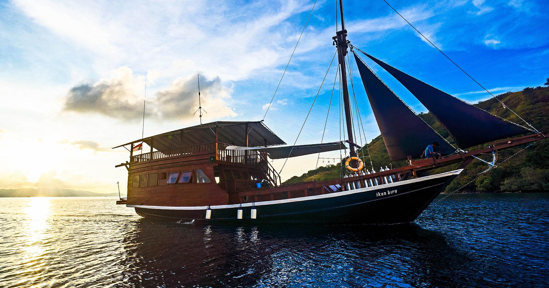 Komodo Dive Liveaboard With Blue Marlin Dive