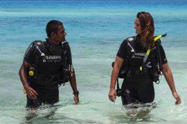 scuba dive courses in the maldives padi budget local island fulidhoo dive