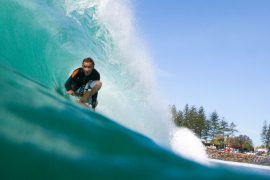 surfboard hire byron bay backpacker australia east coast