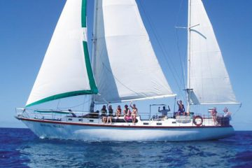 waltzing matilda whitsundays sailing adventure airlie beach australia yacht