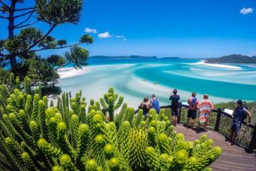 whitsunday islands day trip ocean rafting airlie beach australia east coast