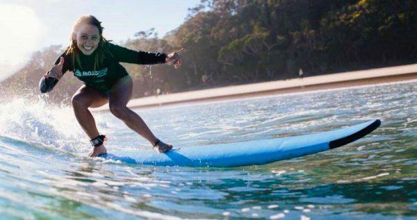 surf school byron bay mojo surf camp australia backpacker east coast