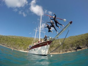 sv whitehaven whitsundays sailing adventure airlie beach backpacker east coast australia rtw backpackers