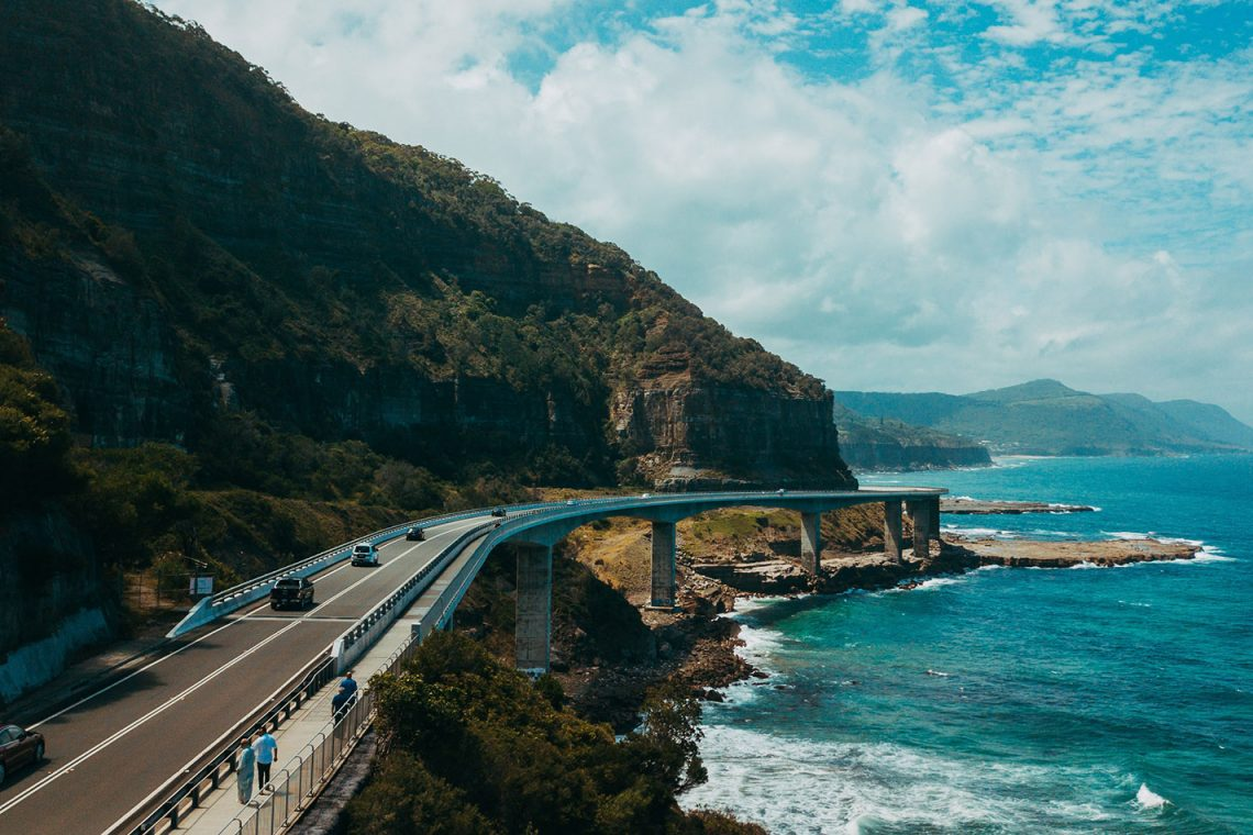 Sydney to cairns or cairns to Sydney the best way to travel east coast australia backpacker